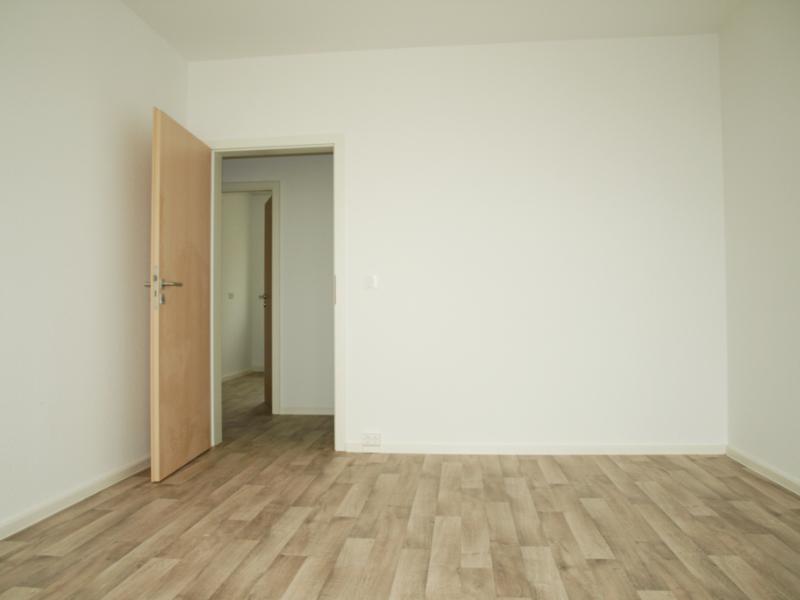wbs wohnungen in der kurt wein stra e musterwohnung wobau lutherstadt eisleben wobau. Black Bedroom Furniture Sets. Home Design Ideas